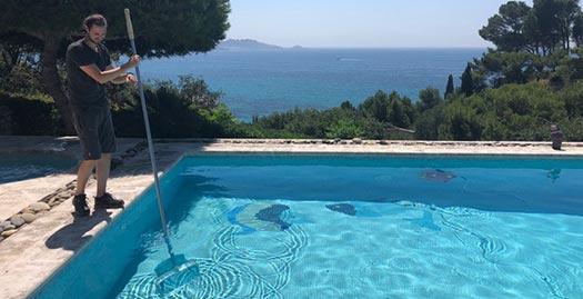 Entretenir sa piscine : Le Guide complet